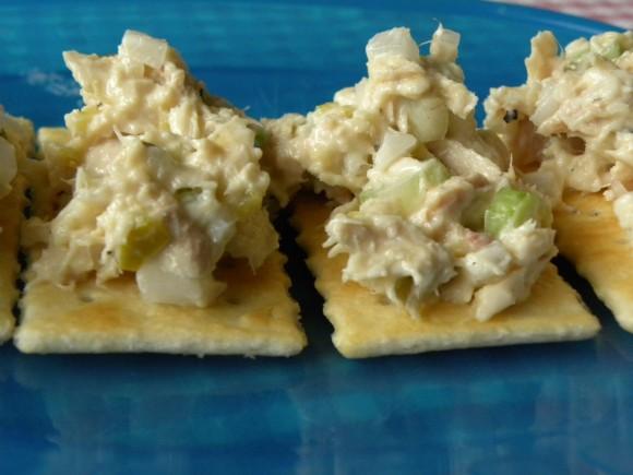 Tuna Salad With Crackers Tuna salad, on crackers,