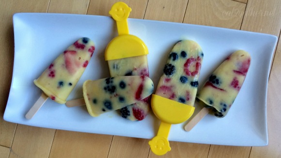 Creamy Mixed Berry Pops